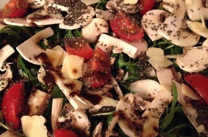 Carpaccio mit Salat