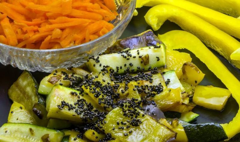 Ingwersalat mit Möhren und Chia Samen